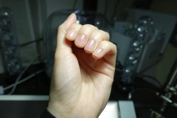 爪磨きで磨いた爪