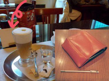 プラハのカフェと極小ボールペン