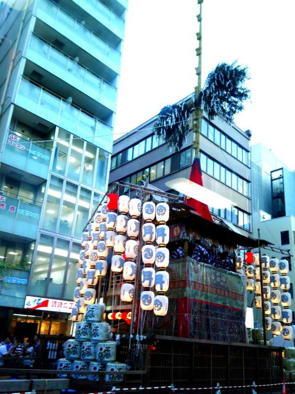 京都の祇園祭前夜祭の山鉾