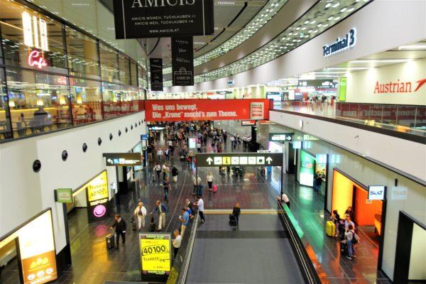ウィーン国際空港の到着フロア