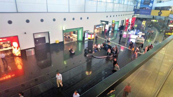 ウィーン国際空港の到着ゲート近く