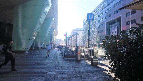 ウィーン・ミッテ駅の入り口