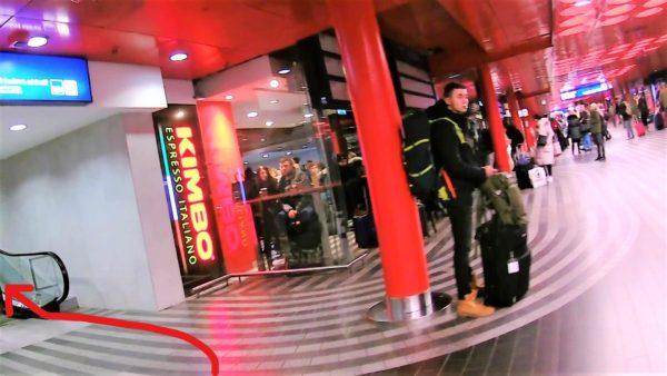 プラハ本駅からプラハ国際空港行きのエアポート・エクスプレスのバス停までの行き方