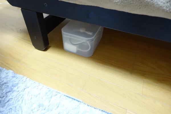 ダイソーの積み重ねボックスを無印風の充電ケーブルボックスにして充電コードをすっきり収納