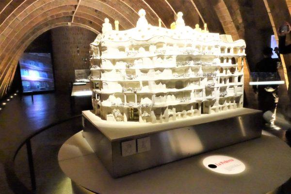 カサ・ミラ内部にあるガウディの建築物の博物館
