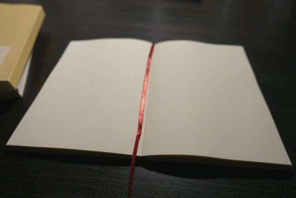 無印良品の文庫本ノートとそっくりなダイソーのノート