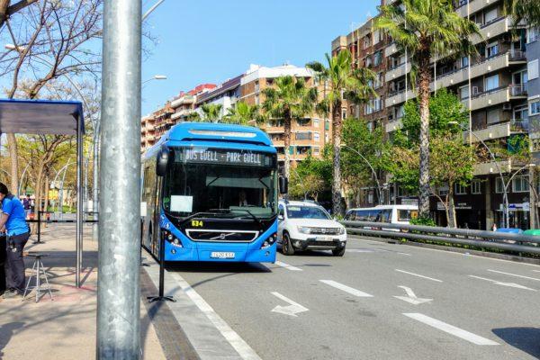 グエル公園行きの直通シャトルバス