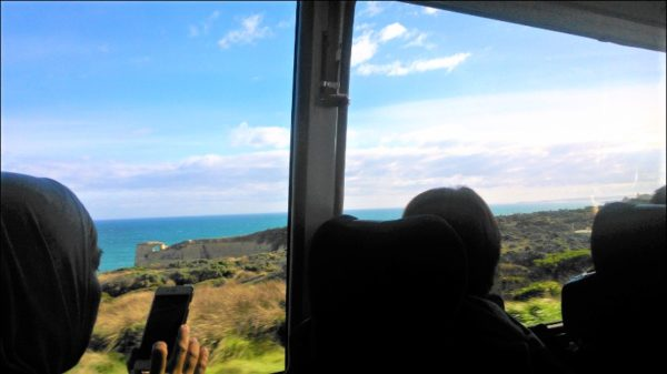 メルボルンに戻るバス車内