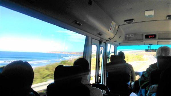 VERTRAのグレートオーシャンロード1日観光ツアーのバス車内