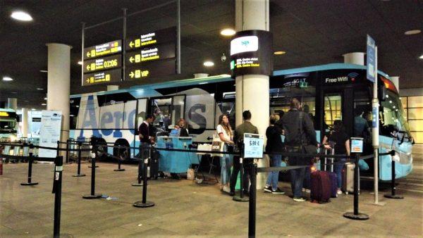 バルセロナ空港の空港バス(Aerobus)乗り場