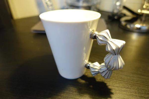 キュビズム雑貨店KUBISTAで購入した土産のマグカップ