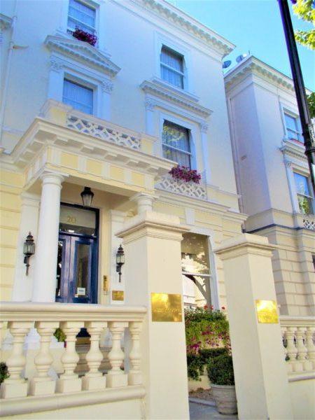 アビーコートホテル(Abbey Court Hotel)の外観