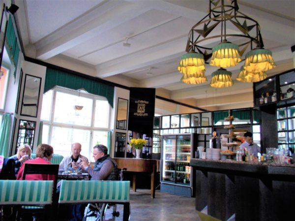プラハのカフェGRAND CAFE ORIENTの店内