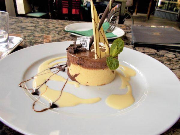 プラハのカフェGRAND CAFE ORIENTのチョコケーキ