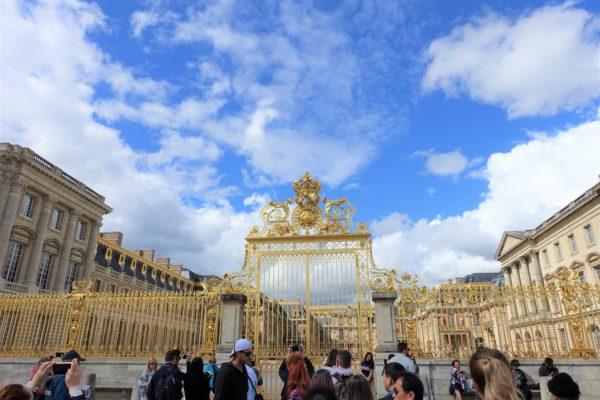 ベルサイユ宮殿の入口の門