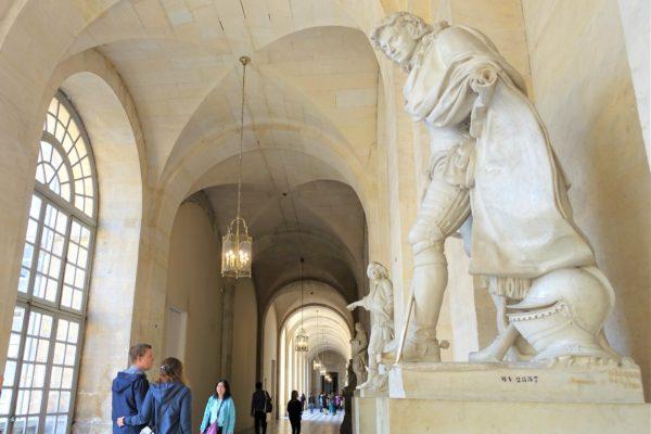 ベルサイユ宮殿の内部の様子