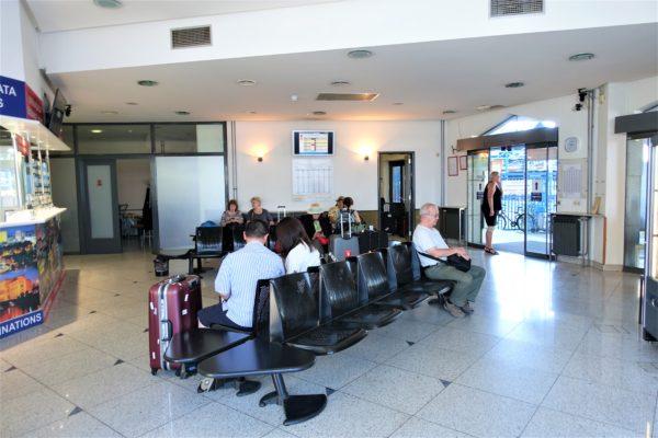 ザグレブバスターミナルの空港シャトルバスの待合室