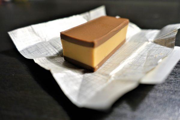 クロアチアのKrašクラッシュ社のバヤデラ(Bajadera)チョコレートはヘーゼルナッツ味