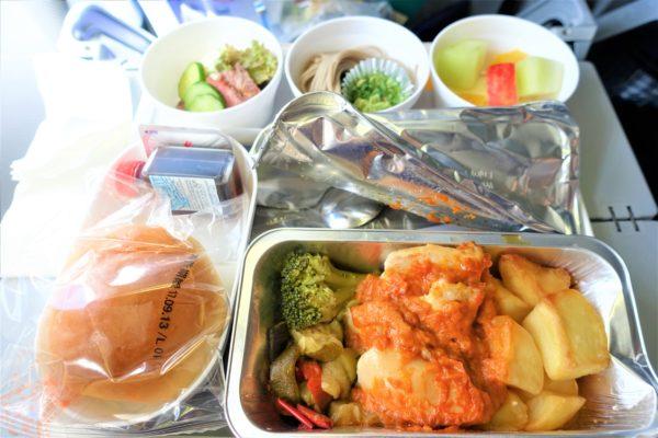 ルフトハンザ航空の昼食の機内食メニュー