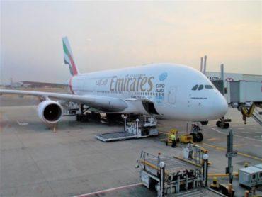 【搭乗記】エミレーツ航空のエコノミーに乗って羽田からロンドンへ。質の高い機内食やドバイ空港のトランジットについて