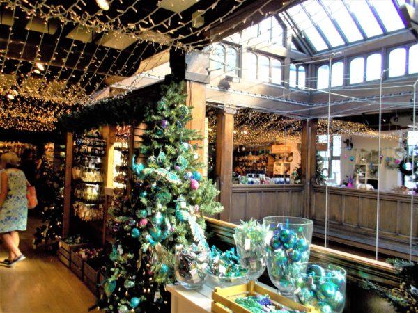 ロンドンのリバティ(Liberty)クリスマスグッツが豊富