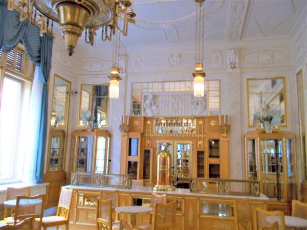 プラハ市民会館のサロン