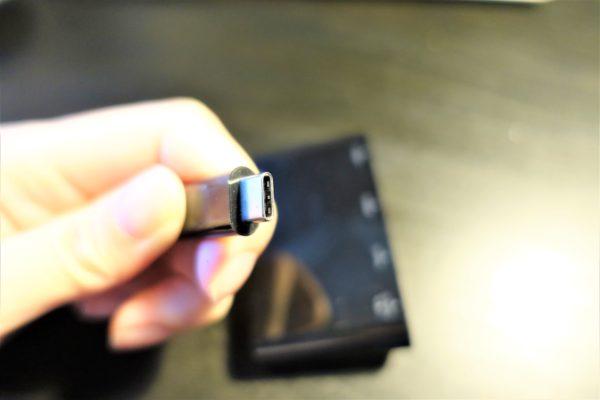 エレコムの高速USBハブのType-C端子