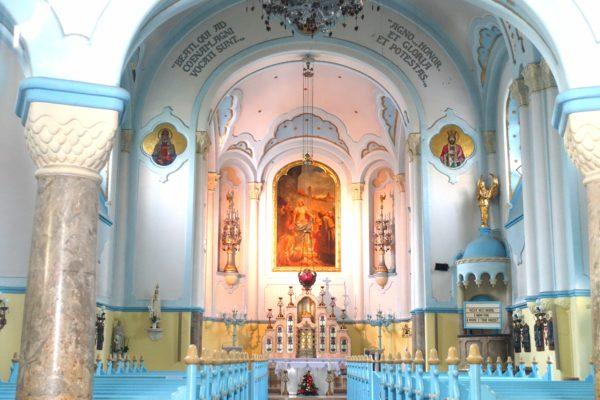 ブラスチラヴァの青の教会の内部