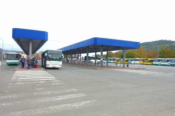 バルデヨフのバスターミナル