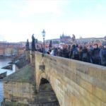 【プラハ】カレル橋の全貌と魅力を写真で解説!チェコ名物のお菓子が美味しいお店もご紹介!