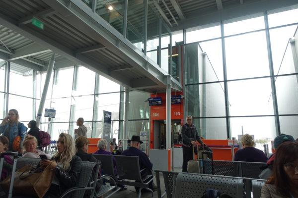 ワルシャワ空港でトランジット