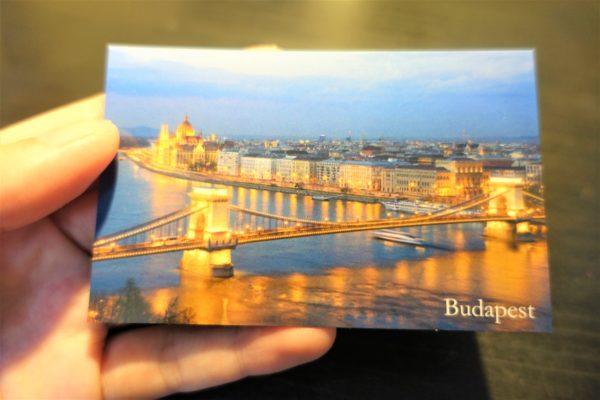 ブダペストのばらまき土産に最適な観光名所マグネット付きのチョコレート