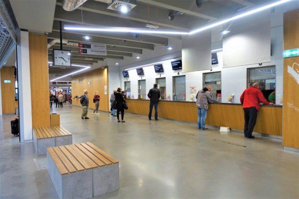 ブラチスラバのバスターミナルのインフォメーション