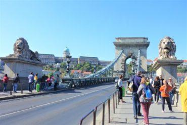 【ブダペスト】セーチェーニ鎖橋に行ってきた!ブダ地区とペスト地区を結ぶ美しい橋!