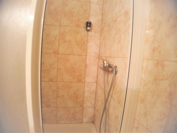 アトランティックホテルは清潔な洗面所とシャワー室
