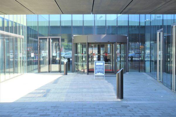 ブダペストの国会議事堂のビジターセンター入口