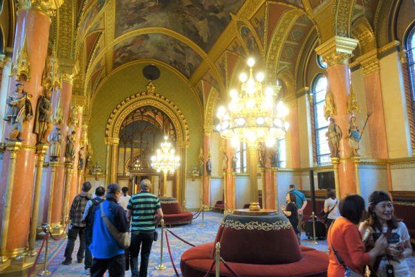 ブダペスト上院議会のロビー(The Upper House Lobby)