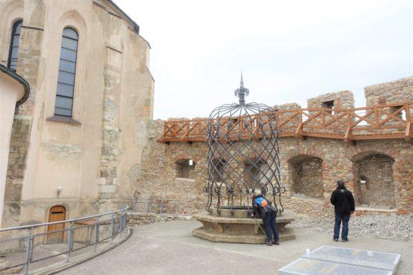 【スロバキア】ニトラ城は美しかった!豪華な装飾と美しいフレスコ画に圧倒される!