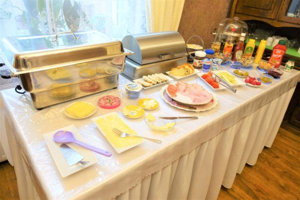 プレショフのおすすめなホテルCenterCity Apartmentsの朝食