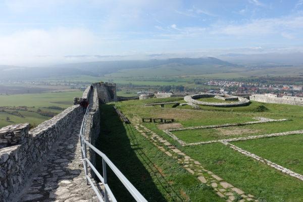 スピシュ城の城壁巡り