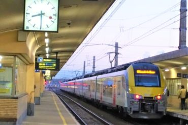 ベルギーの電車乗換検索アプリが便利!チケットもアプリで購入可能!チケット購入方法と電車の乗り方について!