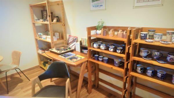 草津カフェのティールームゆきうさぎの店内の雑貨