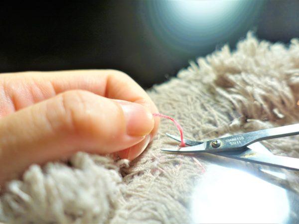 白髪を根元から切る方法