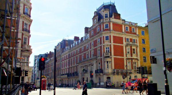 PS4アサシンクリード シンジケートのロンドンの街並み現地写真
