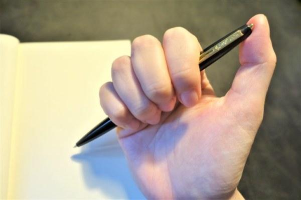 ビックのクリックゴールドのボールペンはノック式
