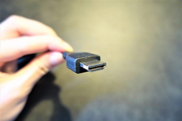 PS4とポータブルモニターをつなぐHDMIケーブル